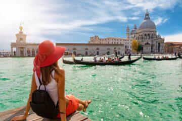 Coronavirus: bonus a chi farà le vacanze in Italia