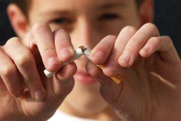 Verso il divieto di fumare all'aperto in città