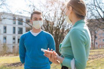 Coronavirus, perché le mascherine sono efficaci