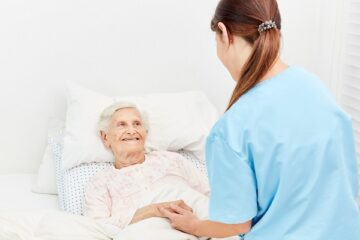 Covid: quasi 10mila assunzioni come infermiere di famiglia