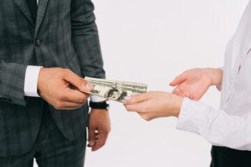 Coronavirus: arriva un'invenzione per igienizzare il denaro