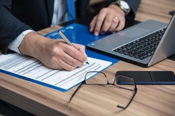 Pagamento avvocato: valida la testimonianza dell'ex cliente?