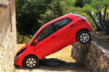 Auto contro muro: risarcimento