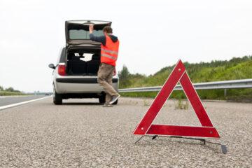 Quando è consentito fermarsi sulla corsia di emergenza?