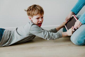 L'esperto: ecco i danni della scuola online sui bambini