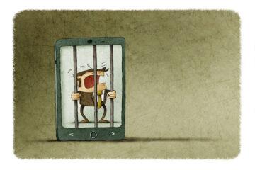 Guardare il cellulare del partner