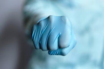 Operatore sanitario no vax: come può lavorare?