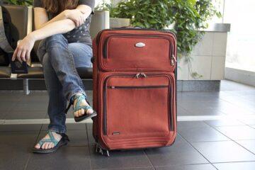 Tamponi e quarantena per chi rientra dall'estero