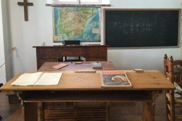 Scuola: si può togliere il crocifisso prima di fare lezione?