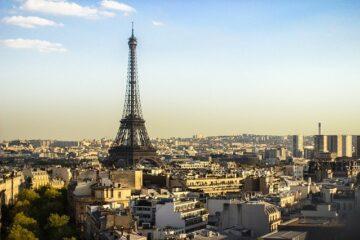 Allarme bomba alla Tour Eiffel