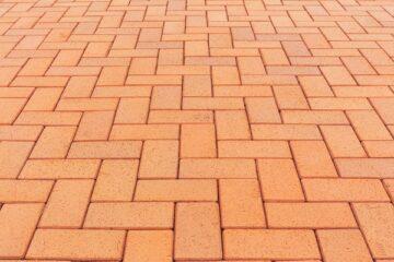 Pavimentazione del cortile: serve il permesso di costruire?