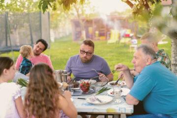 Condominio: si possono fare tavolate nel cortile?