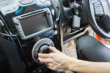 Si può installare una tv in auto?