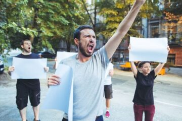 Disobbedienza civile al lockdown: cosa si rischia?