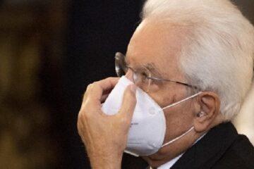 Covid, più di 100 scienziati a Mattarella: fermi l'Italia