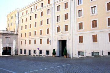 Il Covid arriva nella residenza del Papa in Vaticano