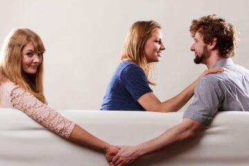 Il coniuge tradito e separato può gestire i figli da solo?