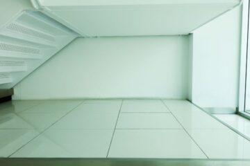 Vano sottoscala in condominio: proprietà esclusiva o bene comune?