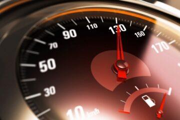 Quando è obbligatorio ridurre la velocità su strada