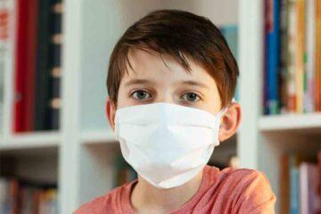 Covid: quante mascherine bisogna portare a scuola