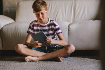 App rischiose per bambini: l'allarme di Federprivacy