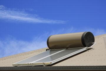 Boiler d'acqua sul tetto: ci vuole l'autorizzazione?