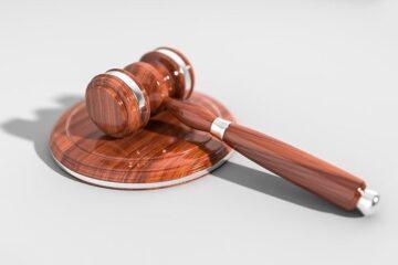 Tribunale in camera di consiglio: che significa?