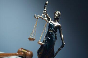 Dovere di fedeltà avvocato: ultime sentenze