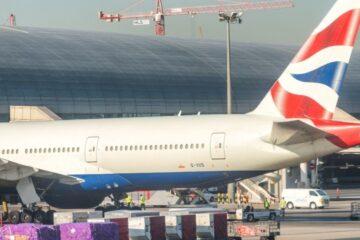 Covid, nuova variante in Europa: voli sospesi