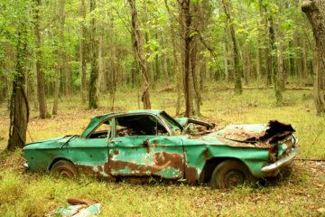 Danneggiare un oggetto abbandonato è reato?