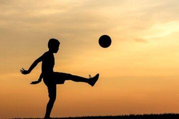 Si può giocare a pallone in strada?