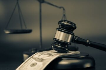 Imputato risarcisce: la pena si può ridurre?