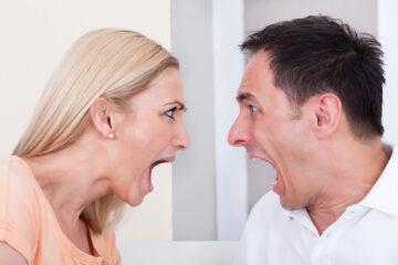 Definire la moglie «isterica» e «manipolatrice» è reato?