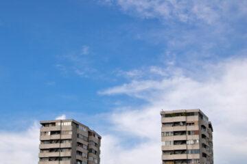 Condominio con edifici separati: spese e autorizzazione lavori