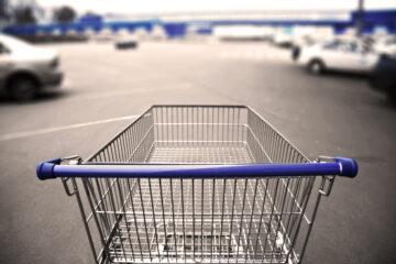 Caduta parcheggio supermercato: risarcimento
