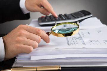Entrare nel cassetto fiscale altrui: cosa si rischia?