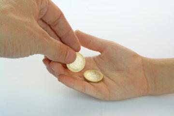 Quando il figlio maggiorenne perde il diritto all'assegno di mantenimento?