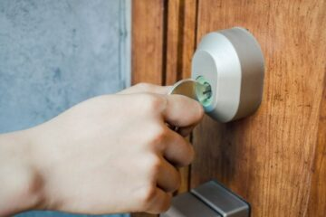 Sostituzione serratura: a chi spetta?