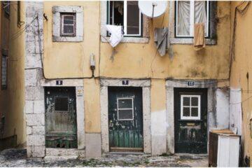 Svalutazione immobile: quando il condominio risarcisce?