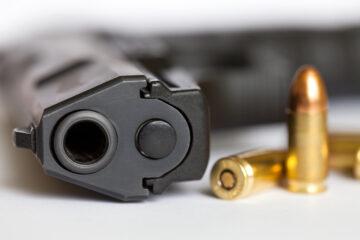 Possedere un'arma in casa senza porto d'armi è reato?