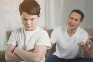 Cosa fare quando i figli sono violenti verso i genitori?