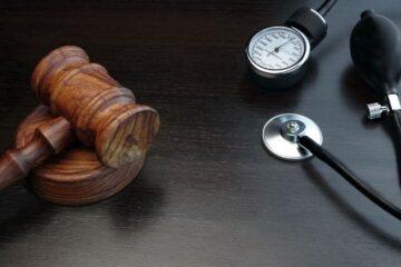 Un medico può essere anche avvocato?