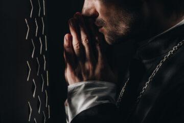 Il prete è tenuto al segreto professionale?