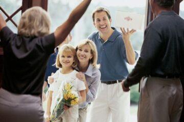 Covid: cosa cambia per le visite a parenti e amici