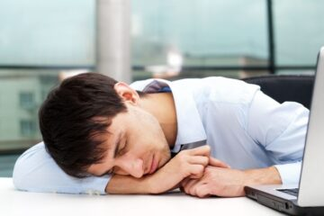 Quante ore di lavoro provocano la morte?