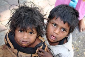 Foto di bambini poveri: si possono pubblicare?
