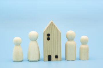 Un genitore può vendere tutto in vita a un figlio soltanto?