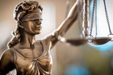 Che differenza c'è tra Procura e Tribunale?