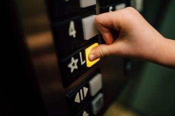 Chi paga la verifica periodica dell'ascensore?