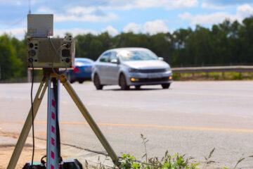 Autovelox ai margini della strada: quando è illegittimo